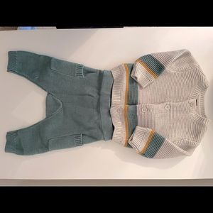 TEA Baby Light Gray Sweater Set